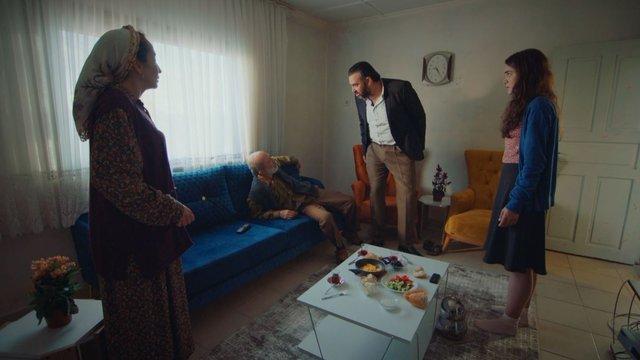 Mustafa yeniden Ada'nın evinde!