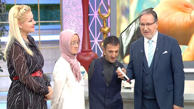 Zahide Yetiş ve Mustafa Karataş'la 136. Bölüm