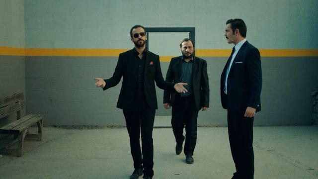 Cansever & Kobra Murat & DJ Yılmaz / Geliyor Havalı Geliyor