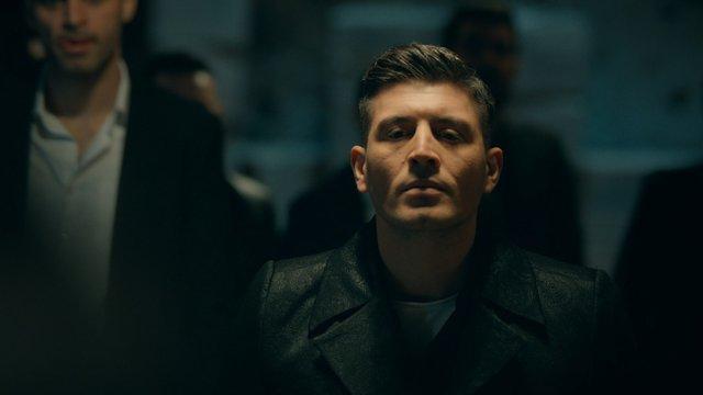 Azer kardeşini istiyor!