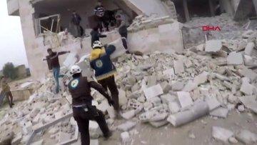 Rusya'nın İdlib'e saldırılarında iki kardeş öldü