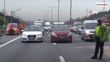 TEM Otoyolunda 7 aracın karıştığı zincirleme kaza nedeniyle yol bir süre trafiğe kapandı