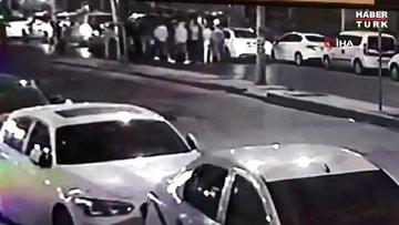 Esenyurt'ta sokak ortasında dehşet saçtılar: Çatışma anları kamerada