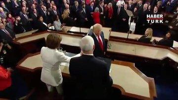 ABD'de geceye damga vuran anlar: Trump konuştu, Pelosi yırttı!