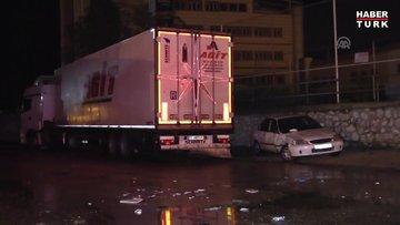 Tırın sinyalizasyonda bekleyen otomobillere çarpmasıyla 5 kişi yaralandı