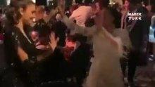 Merve Özbey düğününde, Hande Erçel ile kurtlarını döktü
