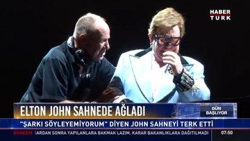 Elton John sahnede ağladı