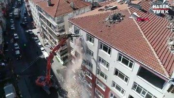Bahçelievler'de riskli binada yıkım