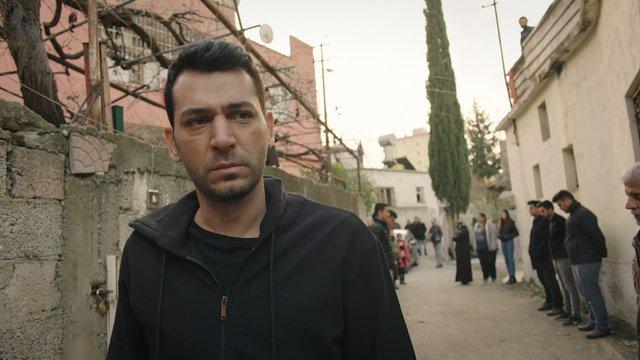 Selda Bağcan - Yürüyorum Dikenlerin Üstünde