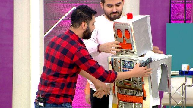 Taner ve Abdullah'tan robot şakası!