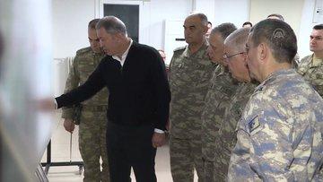 Milli Savunma Bakanı Akar ve komutanlar sıfır noktasında