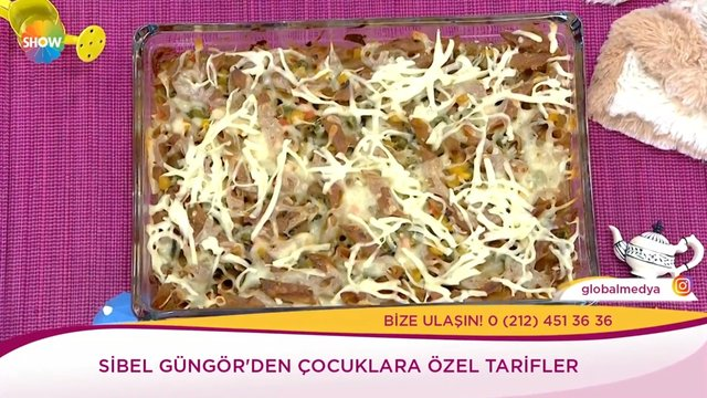 Sebzeli peynirli fırında makarna