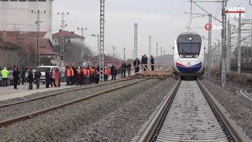 Ulaştırma Bakanı Turhan, Ankara-Sivas YHT hattında ilk test sürüşünü yaptı