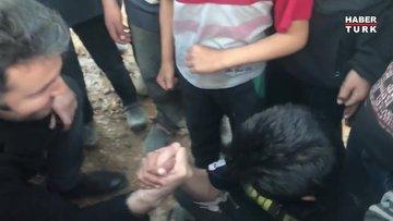 İdlib'de bileğine güvenen genç
