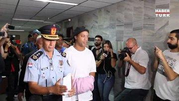 Eski yıldız futbolcu Ronaldinho Paraguay'da tutuklandı