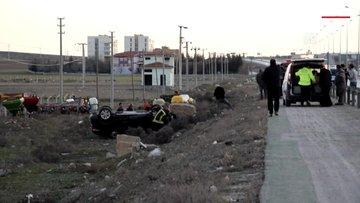 Şarampole devrilen otomobildeki iki kişi yaralandı