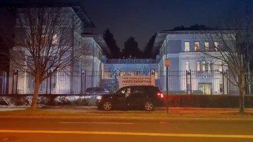 Türkiye'nin Washington'daki temsilciliği de sağlık çalışanlarını unutmadı