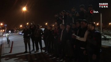 Asker uğurlama yasağına uymayan geçlere polis müdahale etti