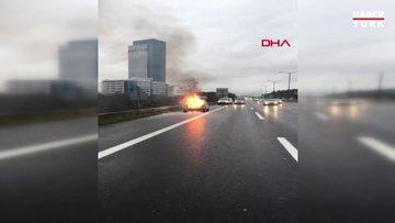 Ümraniye Tem'de otomobil alev alev yandı