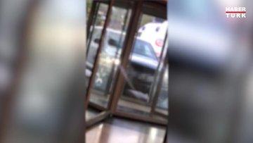 Koronavirüs testinden ücret istendiği iddiasıyla hastaneye arabasıyla daldı