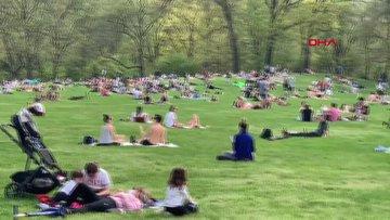 New Yorklular güzel havayı görünce parklara koştu