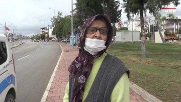 Yakınları tarafından evinden atıldığını iddia eden yaşlı kadın gözyaşı döktü
