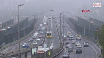 İstanbul'da gece saatlerinde başlayan sis sabah saatlerinde de etkisini sürdürdü