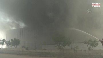 Sincanda medikal malzeme fabrikası deposunda yangın