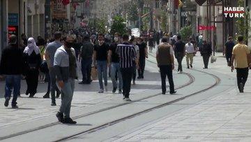 İstiklal Caddesi yine kalabalık