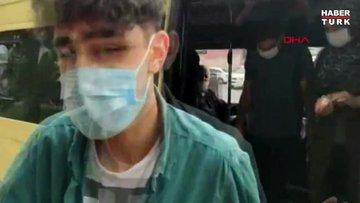 Sultangazi'de minibüs denetimi: 16 fazla yolcu çıktı