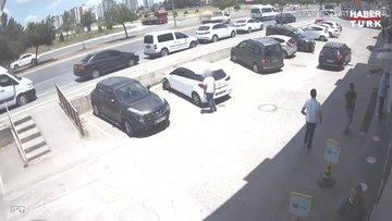 Aracın lastiğini patlatıp sürücüyü oyalayarak koltuktaki altınları çaldılar