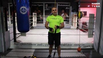 Kum torbasında boks antrenmanı