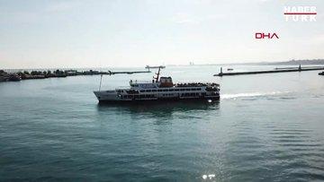Vapur ve teknelerde dikkat çeken kalabalık