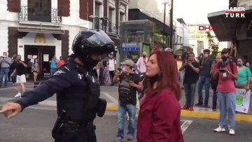 Meksika'da Floyd protestolarına katılan eylemciler polisi ateşe verdi