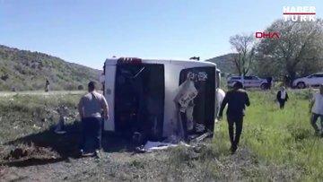 Erzincan- Sivas karayolunda otobüs devrildi, 1 ağır 19 yaralı