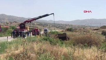 İneğe çarpan kamyon şarampole yuvarlandı 2 tarım işçisi öldü, 8 yaralı