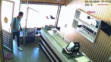 Kartal'da kuyumcuya biber gazı sıkarak yüzük tablasını çalan şüpheli kamerada