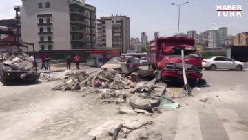 Freni boşalan kamyonetin park halindeki otomobillere çarptı: 1 ölü 3 yaralı
