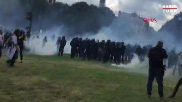Paris'te sağlık çalışanlarının protestosunda polisten biber gazıyla müdahale