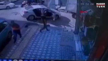 Bahçelievler'de şüphelilerle polis arasındaki kovalamaca kamerada