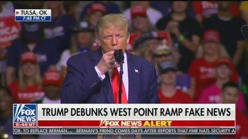 Trump: Kravatıma su dökmek istemedim
