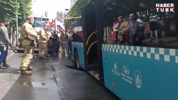 Bağcılarda bir halk otobüsü yağış nedeniyle çöken yola düştü