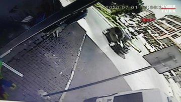 Esenyurt'ta polisten kaçan şüpheliler kaza yaptı