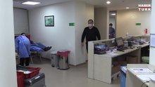 Kovid-19'u yenen sağlık çalışanları immün plazma bağışlarıyla da şifa oluyor