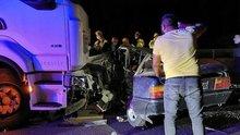 Ankara'da TIR, otomobili biçti! 2 ölü, 1 yaralı