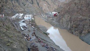 Yusufeli Barajı şantiyesini sel vurdu