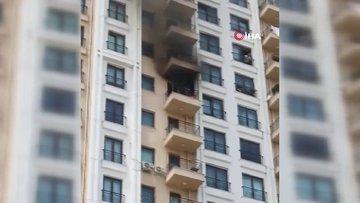 Esenler'de dehşet anları: Klima bomba gibi patladı