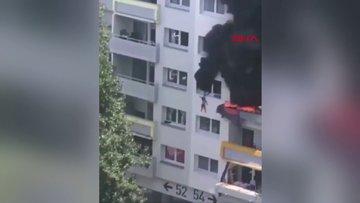 Fransa'da iki çocuk, yanan binanın camından atlayarak kurtuldu