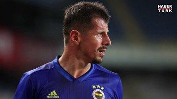 Fenerbahçe'nin kaptanı Emre Belözoğlu yeşil sahalara veda etti