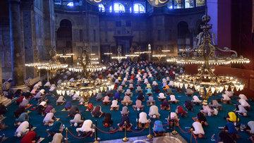 Ayasofya Camii'nde 86 yıl sonra ilk bayram namazı